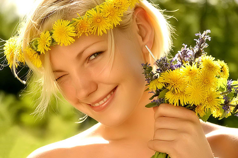 Мир улыбается сегодня для тебя звучит счастливый смех и поздравления